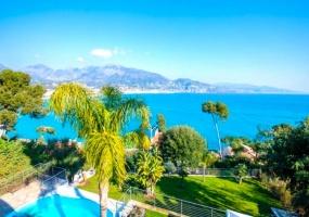 Roquebrune-Cap-Martin, 7 Bedrooms Bedrooms, ,Villa,For Sale,1009