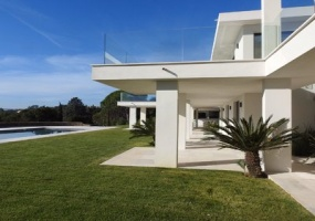 Saint Tropez, 6 Bedrooms Bedrooms, ,6 BathroomsBathrooms,Villa,For Sale,1007